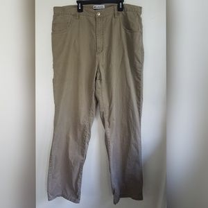 Columbia Cargo Style Khaki Pants